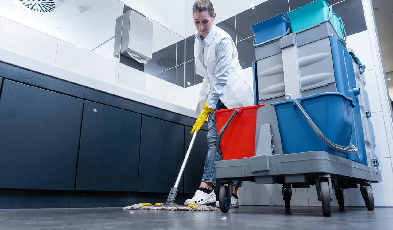 Послуги клінінгової компанії у Вінниці: якісне прибирання квартир і будинків по самій вигідній ціні